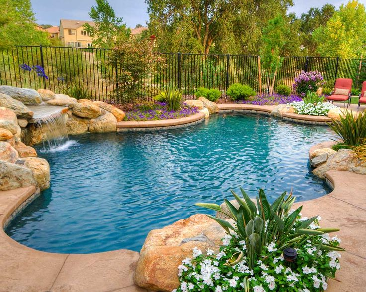 Freeform Swimming Pools Freeform swimming pools are the perfect fit for your relaxing yard, with a focus on creativity and a tie-in with natural landscaping. Here are just a few of our favorite freeform swimming pool pictures from Premier Pools and Spas builders all over...