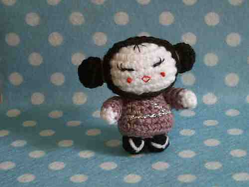 The pattern says that it's a geisha doll but I could totally turn this into a Pucca doll for Lizzie.