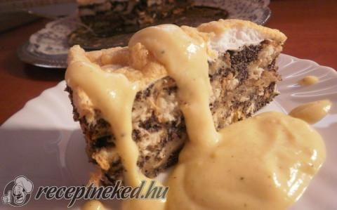 Mákos-almás gubatorta vanília sodóval recept fotóval