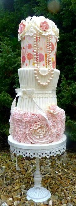 17 Best images about Cake Artistry on Pinterest Pretty ...