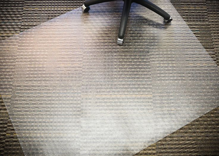 Amazon.com : Mammoth Office Products PVC Plastic Chair Mat for Medium Pile (3/4-Inch in or Less) Carpeting, 48 x 60 Inches Trapezoid for Mobility (V4660TMP) : Office Products