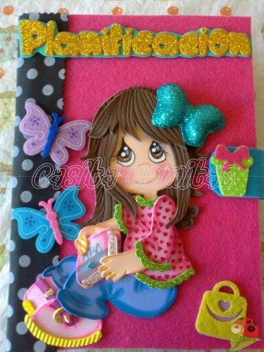 Cuaderno decorado con goma eva