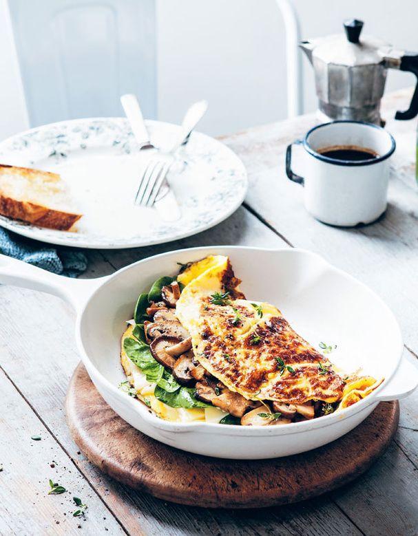 Omelette aux épinards, champignons et fromage