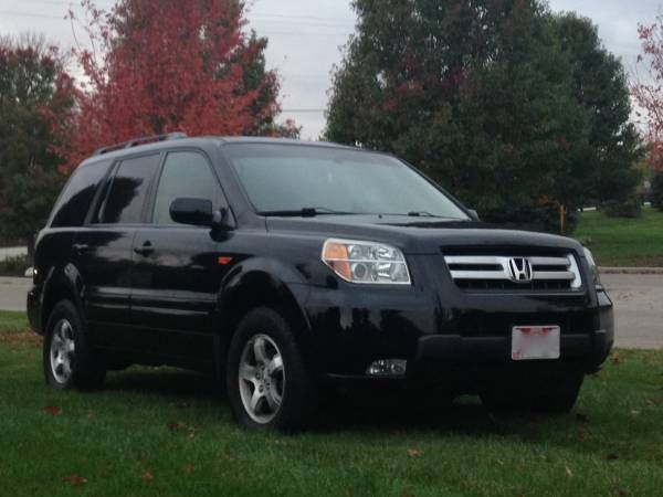 2006 Honda Pilot EX-L (DVD, all wheel drive, 8 passenger)