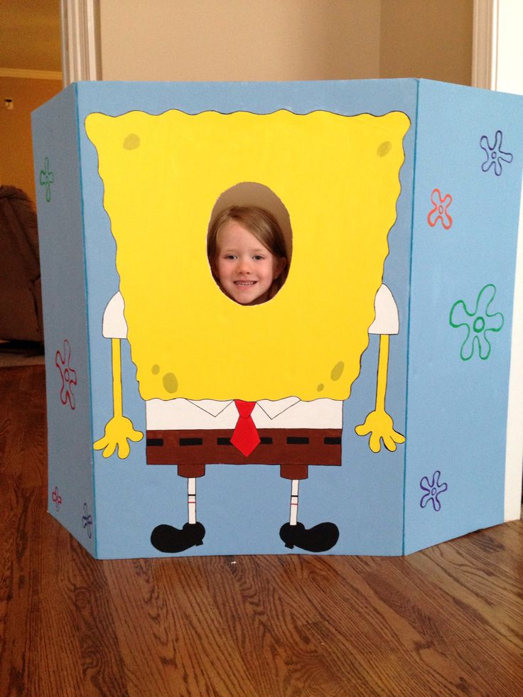 Spongebob photo booth made for kids birthday party. An easy DIY project