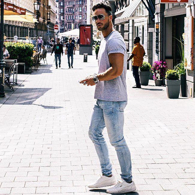 Если вы в поисках простой футболки без принта хорошего качества и по отличной цене, тогда вам в JiST. Серые, белые, синие, черные, они легко сочетаются даже с пиджаками в стиле кэжуал. Удалить комментарийjistshop#summer #fashion #outfitidea: #stylish @magic_fox looks #trendy in #simple #tshirts without #print #мода #стиль #тренды #джинсы #футболка #модно #стильно #киев #новаяколлекция