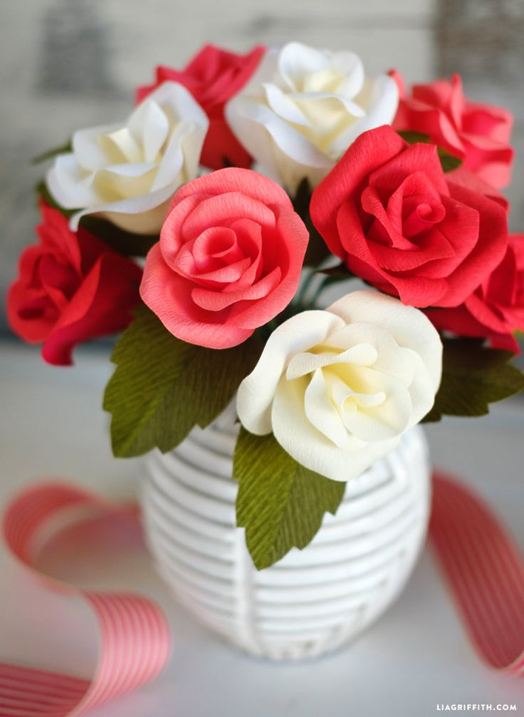 #crepepaperroses free pattern and tutorial at www.LiaGriffith.com: