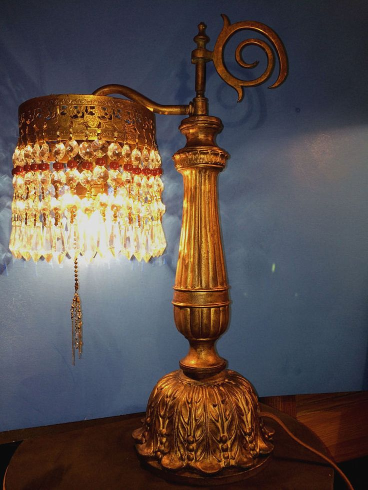 FINE ANTIQUE VICTORIAN TABLE LAMP W/CRYSTAL LUSTRES, C1900 #Victorian