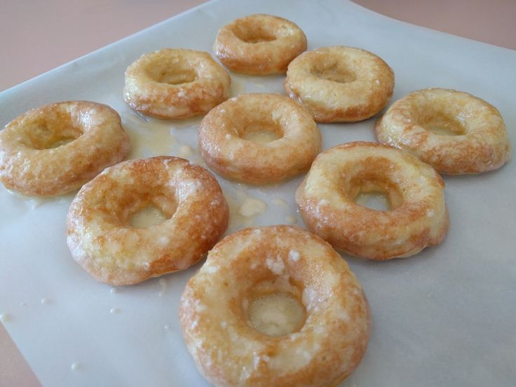 If you miss Krispy Kreme, you're in luck. This morning I made glazed donuts that look just like the real deal, and they are light, fluf...