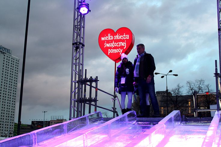 Ice slide in Warsaw! www.bee44.com