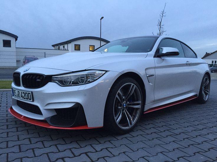 BMW M4 U002715