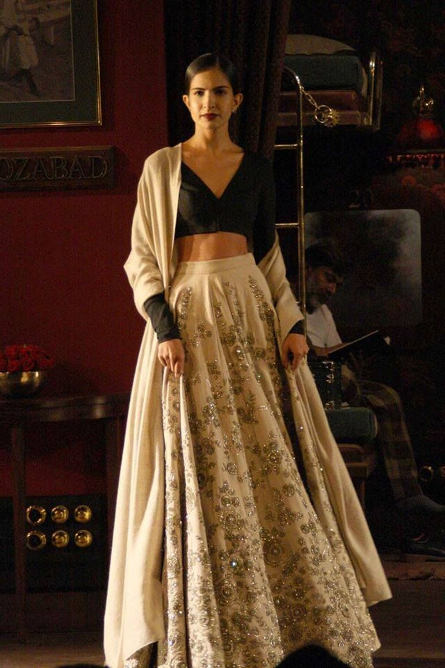 Sabyasachi Mukherjee - Indian Couture Week 2014 - Black and white lehenga - Indian Couture I love him!