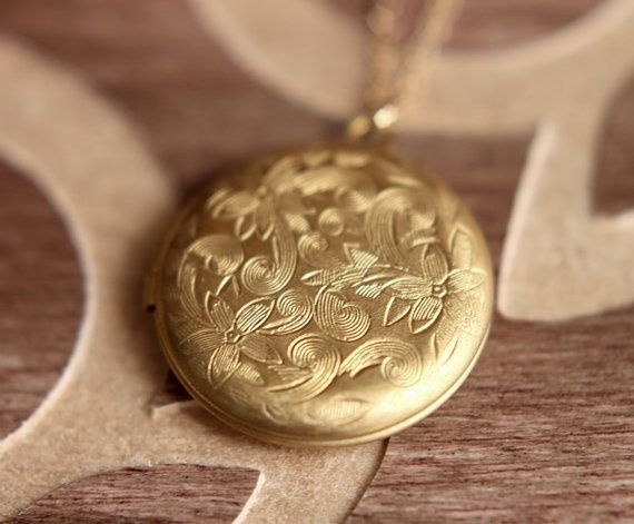 Round Locket Necklace, Locket Pendant, Gold Locket Necklace, Vintage Brass Locket, Big Circle Locket