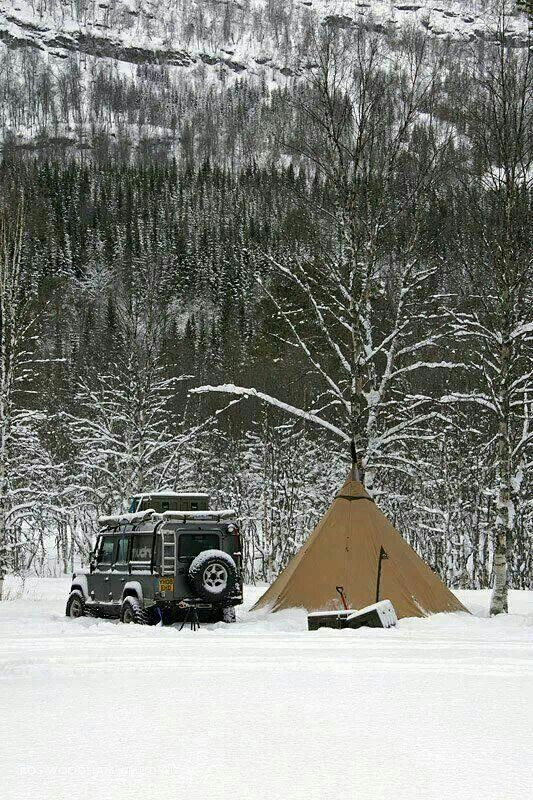 Tipi in de sneeuw