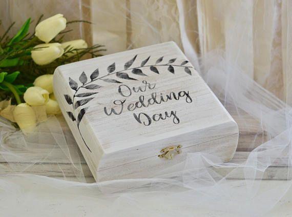 Keepsake Wedding Gifts: Best 25+ Wedding Keepsake Boxes Ideas On Pinterest