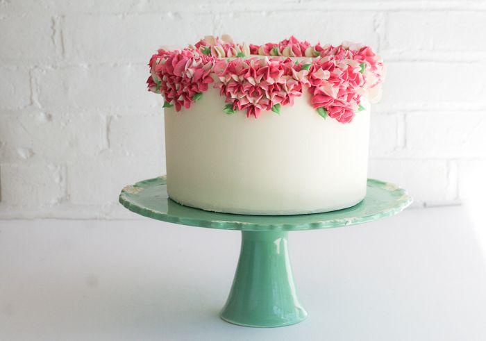 Diy Piped Flower Cake Wedding Swiss Meringue And Backyards