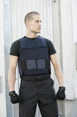 Our EnGarde Patrol vest is an ideal choice for personnel who occasionally need increased protection against high velocity rounds or machine gun threats. The EnGarde Patrol has two convenient external pockets which accommodate removable hard armor plates. The hard armor inserts provide maximum protection against rifle fire and improved blunt trauma protection.