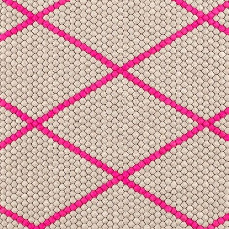 Dot Carpet vloerkleed hot pink