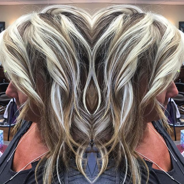 WEBSTA @ cathysbeautysalon - ✨B🔹L✨O🔹N✨D🔹E✨ #cathysbeautysalon #pahair #pahairsalon #pahairstylist #blondehair #blondelife #blondegoals #blonder #whiteblonde #whiteblondehair #chunkyhighlights #olaplex #olaplexsalon #moringa #moringaplex #summerhair #summerblonde #lovemyhair