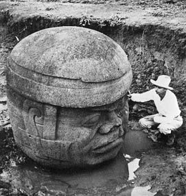 Cabeza monolítica Olmeca
