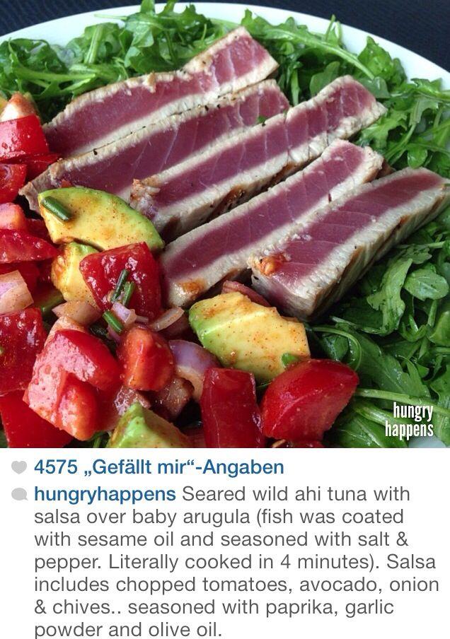 Seared tuna with avocado salad