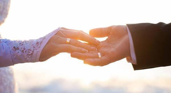 Menikah Tanpa Pacaran, Coba Lakukan Ta'aruf