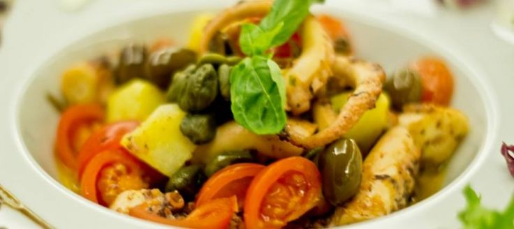 Octopus Salad with Garganega Brut    The octopus salad with potatoes and olives is an easy recipe to prepare. You can make a dish that will make it even fresher and happier your summer.