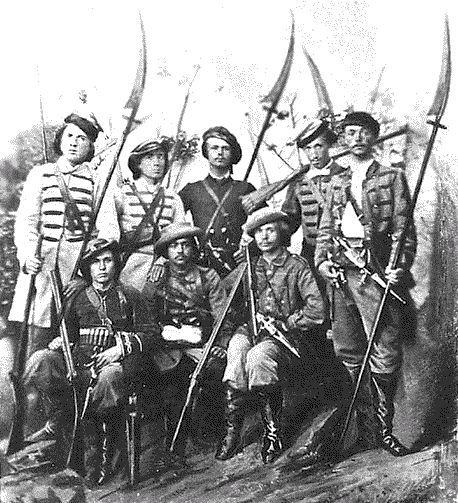 """Polish_scythemen_1863(1) На этом фото мы видим польских """"косинеров"""", то бишь косарей, то есть мужиков со слегка переделанными косами, которые использовались ими в качестве оружия!! И это в эпоху огнестрельного оружия!!"""