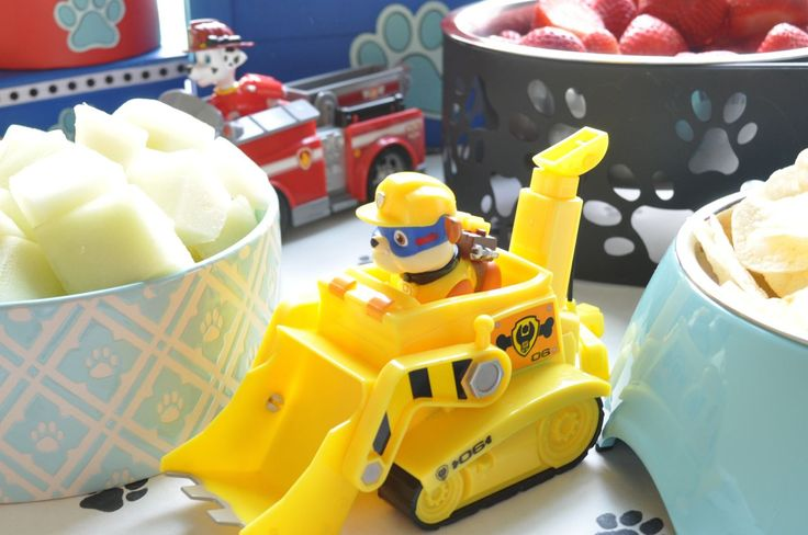 Decorating Ideas from a Paw Patrol Birthday Party #pawpatrol #pawpatrolideas #rubble