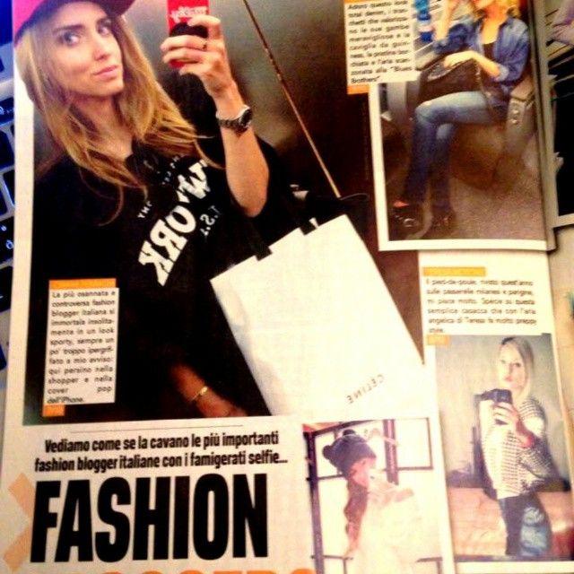 Mi trovate in edicola su #cronacarosa di questo mese in un articolo dedicato alle #fashionblogger italiane e ai #selfies <3 <3 <3 #theFashiondiet #happy