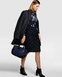 Falda recta de mujer Roberto Verino con estampado de cuadros