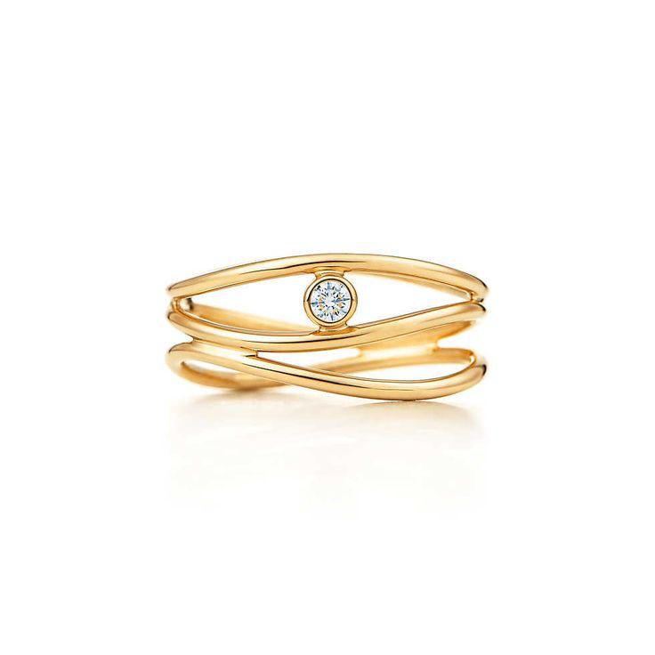 Elsa Peretti® Wave three-row diamond ring in 18k gold. | Tiffany & Co.