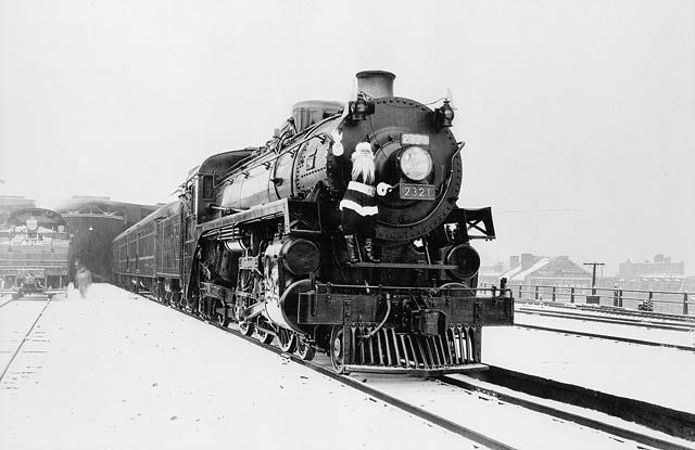 Locomotive No.2321 of the Canadian Pacific Railway at Windsor Station. (item 1)
