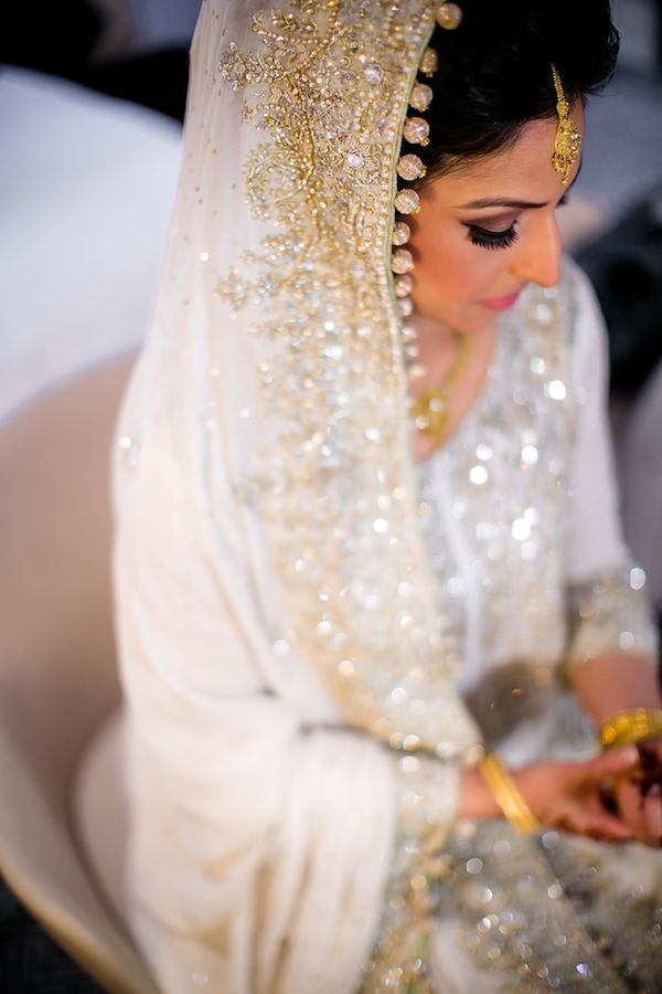 stephaniekayphotography:  beautifulsouthasianbrides:  Photo by:Rima Darwash  Bea-utiful!