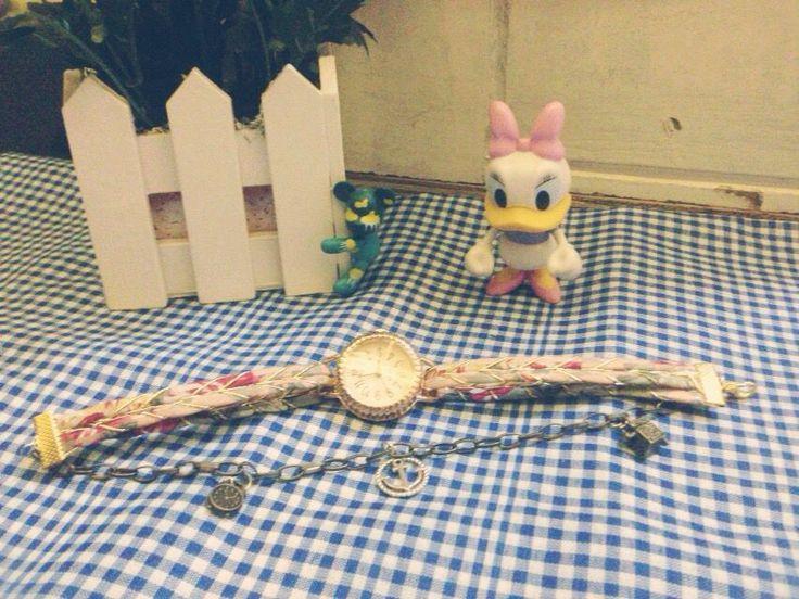 Gelang jam tangan