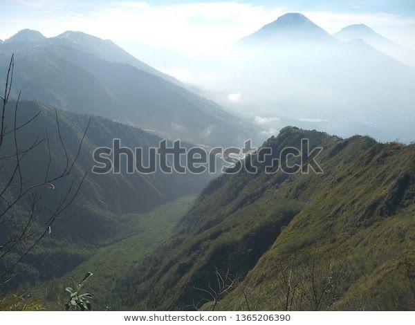 10 Pemandangan Alamcom Gambar Pemandangan Indonesia Merupakan Negara Yang Kaya Akan Tempat Wisatanya Yang Indah Indonesia Merupakan Di 2020 Pemandangan Pantai Alam