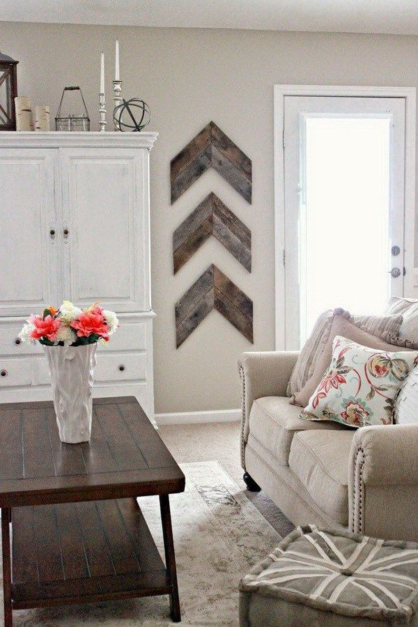 DIY Wooden Arrow Wall Art: The simple wooden wall art can also boost a room's natural flow.