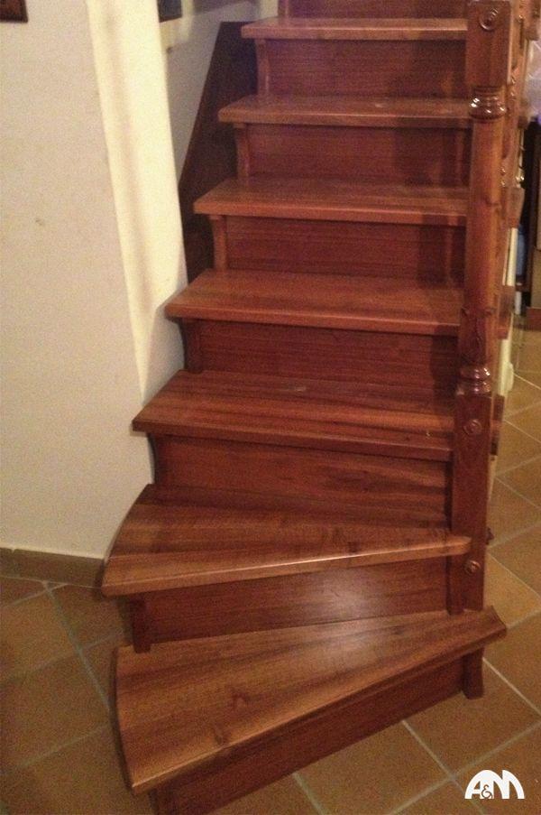 www.arrediemobili.com: una scala in legno nazionale realizzata interamente in falegnameria per un cliente di Tivoli.