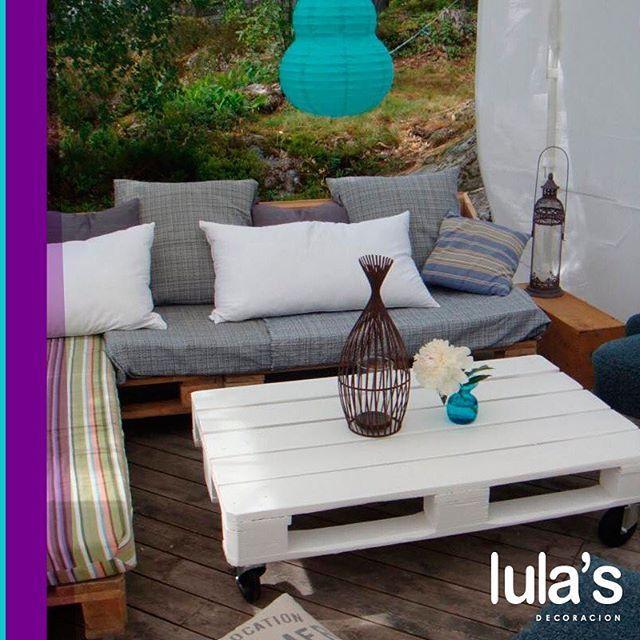 Con un toque de sofisticación y buen gusto, los palets pueden convertirse en elegantes y bonitas mesas de centro.  #interiordesign #home #style #decor #decoración #espacios #ambientes #decohogar #muebles #mobiliario #decoracioninteriores #comedor #sillas #hogar #diseño #homesweethome #cozy #habitaciones