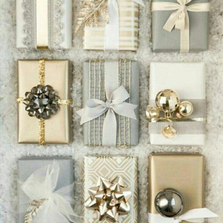 Embrulhos natalinos  @holly.jolly.xmas.inspiration