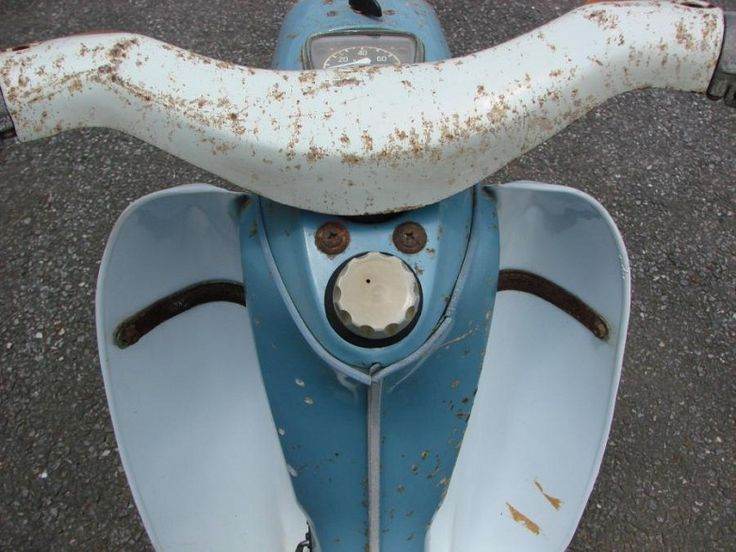 1960 Yamaha MF-1 scooter located at our shop in Japan. This is the 1st Yamaha scooter made. It has a electric start 50cc 2 stroke engine. This scooter is very rare and hard to find. The engine does not turn over. We purchased this bike from a friend of ours. He said the engine did