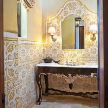 Best 25 spanish colonial homes ideas on pinterest for Spanish colonial bathroom design