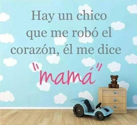"""Hay un chico que me robó el corazón, él me dice """"MAMA"""". #quienlodira"""