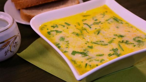 Zuppa di pollo alla greca