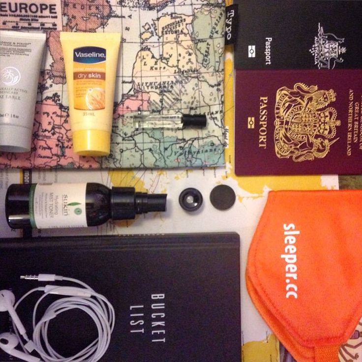 http://www.thetechgypsy.com/carry-on-must-haves-for-any-flight/ #carryon #flight #travel #wanderlust