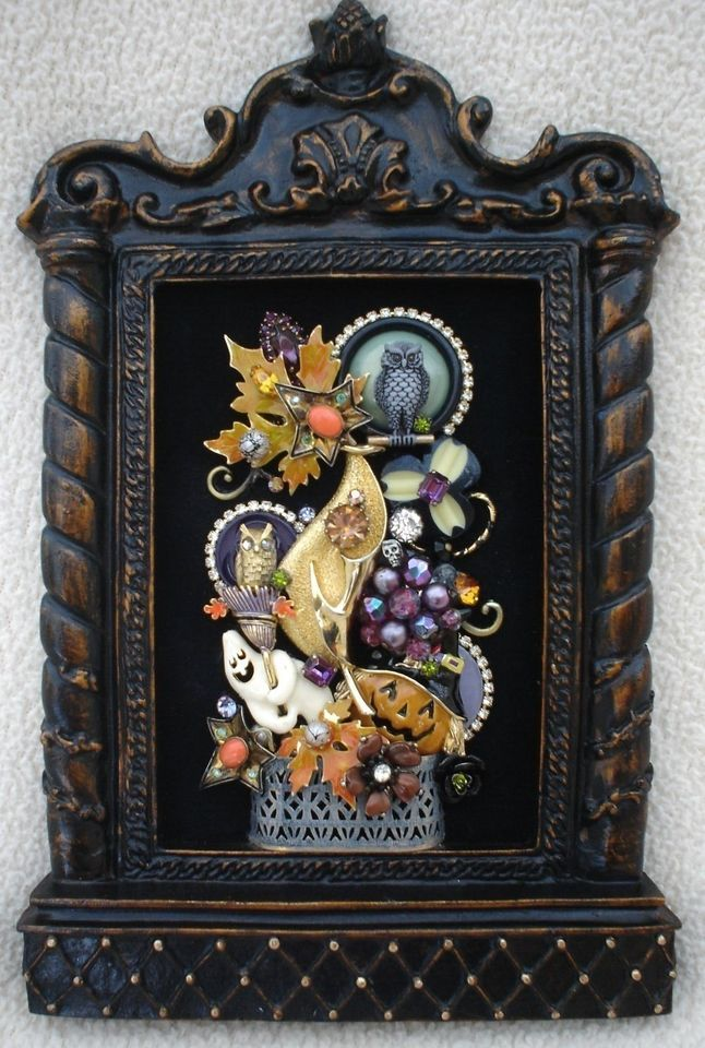 VINTAGE RHINESTONE JEWELRY FRAMED HALLOWEEN PIN TREE ~ PUMPKIN GHOST OWL AUTUMN