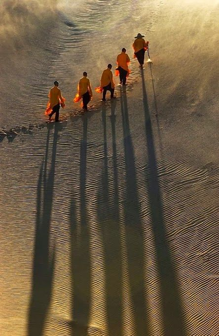 the monks' pilgrimage/Asia