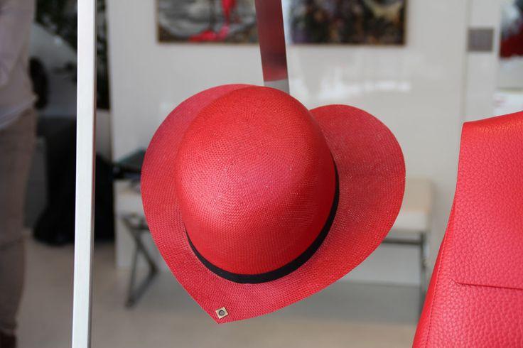 #SanValentino #LeABoutique #Milano #red #rosso #amore #cuore #cuori #fashion #cappello #hat #spring