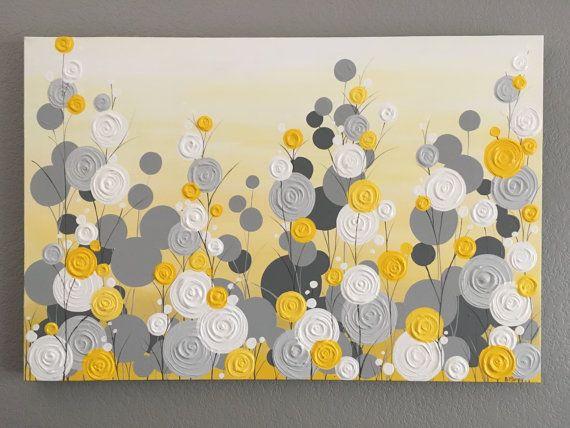 Amarillo, gris y blanco con textura flor arte  Pintura de acrílico sobre lienzo, alistan para enviar Este artículo no se hace a pedido... se es pintado, barnizado y las naves dentro de 3 a 5 días hábiles.  Tamaño: 24 x 30 Profundidad: 1,5 Color: Varias tonalidades sol de amarillo, vara de oro un poco y un poco de mostaza hacen de este un jardín moderno, brillante y feliz. Yacos desde neutro a ligeramente cálido en tono para coordinar con una gran variedad de decoración. Bordes: Este lienzo…