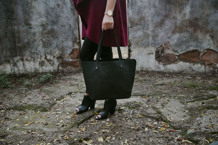 Timeless style - our Eve Tote in Black is simply a classic design. www.swish-swank.com